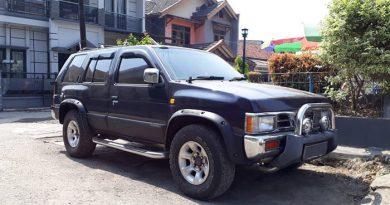 Jual Nissan Terano kingsroad f1 Th 2000 Mulus - Warna Hitam (Mulus)