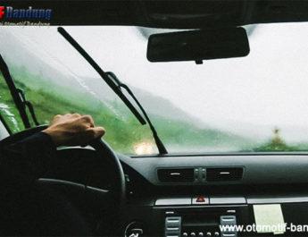 Tips Merawat dan Membersihkan Wiper Mobil