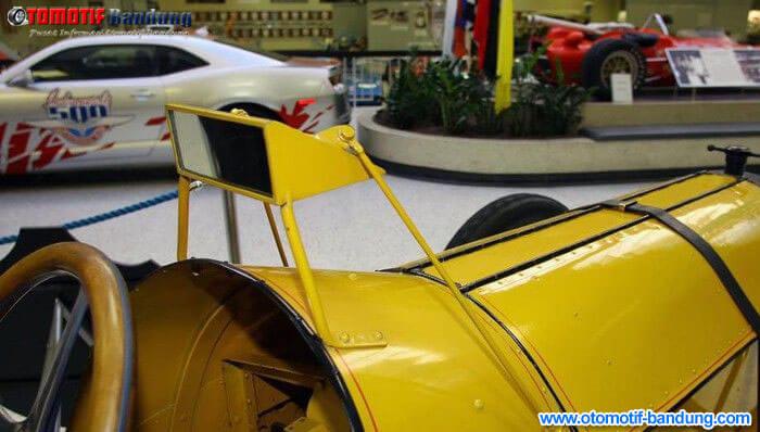 Asal Muasal Spion Mobil